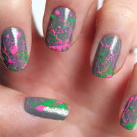 Manicure Monday: Splatter Nails with Syl and Sam - Lulus.com Fashion Blog