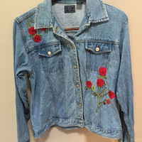 Embroidered Denim Jacket, Red Roses Vintage Jacket, XL Light Blue Jean Jacket Vintage Denim Coat, Embroidered Roses Vintage 90s, Plus Size