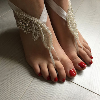 Ivory Pearl Barefoot Sandals, Beach Wedding Barefoot Sandals,Beach wedding barefoot, Steampunk, Beach Pool, Sexy, Yoga, Anklet, Bellydance