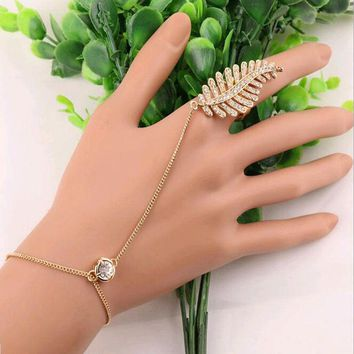 Crystal Rhinestone Feather Leaf Hand Harness Bracelet Slave Chain Link Finger Bracelets Gold Silver Vintage Charm Jewelry