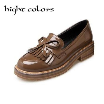 2017 Spring Platform Women Oxfords With Bowtie Patent Leather Brogue Shoes Woman Pointed Toe Slip On Ladies Flats Size 40~43