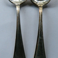 Set of 2 Vintage Oneida Community Silverplated Serving Spoons - Pattern Vernon / Ashley