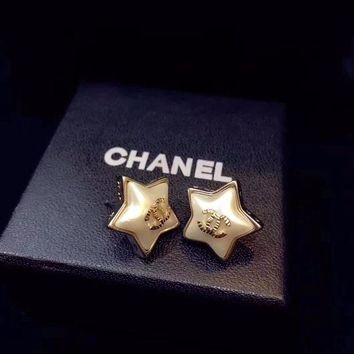 DCCKG2C Chanel lovely Star shaped earrings gold stud