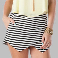 SEATTLE STRIPED ASYMMETRICAL SKORT