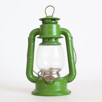 Vintage Dietz no 50 Green Camping Lantern, Battery Operated Light, Vintage Camping Gear, 1980s 90s