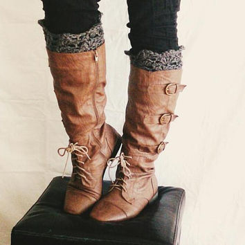 Boot cuffs in grey, Womens crochet boot socks -  Lacy boot toppers - Short leg warmers