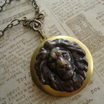 GRYFFINDOR Harry Potter Inspired Vintage Lion by jetaimeboutique