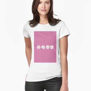 'Pink Daisies' T-shirt by VibrantVibe