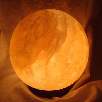 HIMALAYAN SPHERE Salt lamp