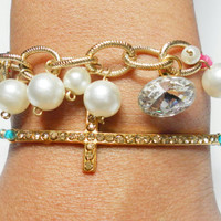 Faux pearls Friendship Bracelets - rhinestone crystal button faux pearls coral string delicate gold plated chuncky chain valentines