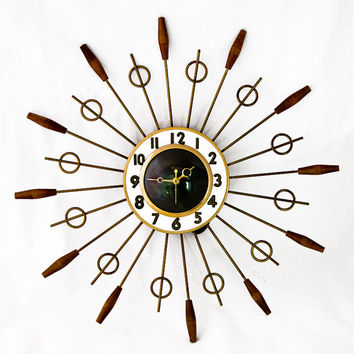 Vintage 1960s United Starburst Wall Clock