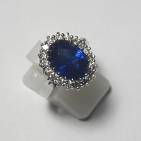 About 6.0 carat royal blue Sapphire ring, Princess Diana engagement ring.
