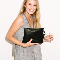Black Leather clutch bag - Women purse - Leather wristlet - Evening bag - Metal ring in Nickel color - Matte black