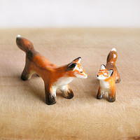 Fox Family figurines set of 2, Mom and Baby Red Foxes totem, motherly love, tiny zoo, mother's day gift, woodland, red orange home decor