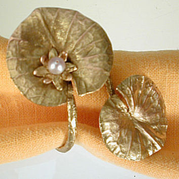 Michael Michaud - Table Art - Waterlilly Napkin Ring Set