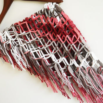 Triangle netting shawl - pink coral red white autumn winter fishnet shawl