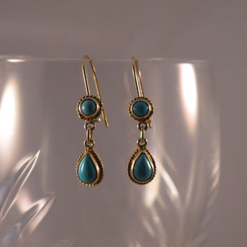Vintage 14k Yellow Gold earrings with Turquoise - Gift for her - Anniversary - Valentines's Day