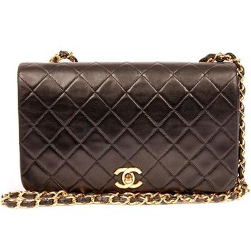Chanel Black Lambskin Classic Flap Cross Body Bag 5450 (Authentic Pre-owned)