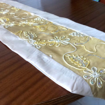 Luxury  Table Runner, Floral Ornamental Embroidered   with sequins, Retro Table Runner,Gold embroidery  table runner , Christmas party deco