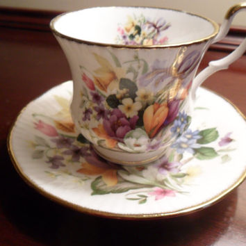 Queen's Fine Bone China Teacup and Saucer Set England Floral Vintage from Amelie's Farmhouse