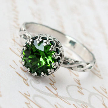 Green ring sterling silver with Swarovski crystal, vintage style, Irish Gaelic design floral band, handmade, 8 mm crown setting, fern green