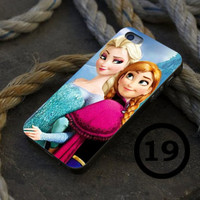 Elsa and Anna Disney Frozen - iPhone 4/4s, iPhone 5/5S, iPhone 5C and Samsung Galaxy S3/S4 Case.