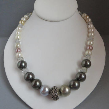 Faux Pearl, Glass Bead Necklace, Vintage Multicolor Beaded Necklace, FREE SHIPPING