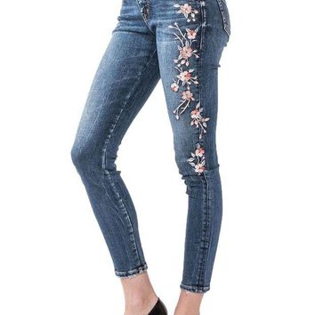 ONETOW Silver Jeans Elyse Medium Wash Skinny Jeans