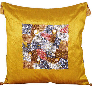 'Flourishing Verdant' - Gold Decorative Throw Pillow Cover with Sequins and Beads Pattern