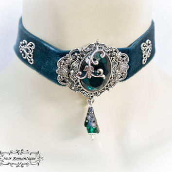 The absinth essence Victorian Gothic Choker-Gothic Velvet Choker -Cameo Choker-Victorian Gothic Jewelry