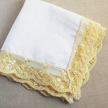 White Cotton Handkerchief With Yellow Lace Gold Lace Edging Vintage Ladies Centerpiece Table Overlay Decoration Yellow Wedding Decor