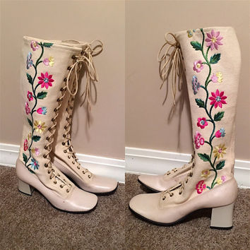 Vintage 70's EmBroiDeReD LACE Up ROPER KNEE HiGH Go Go Boots