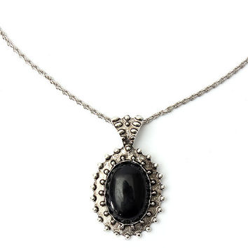 Vintage Carved Oval Gem Pendant Necklace