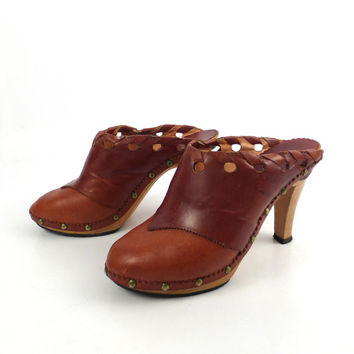 1970s Leather Clogs Vintage Whiskey Brown High Heel Wanda Size 6 1/2