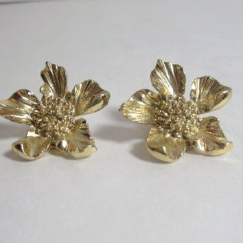 Vintage Gold Flower Earrings clip on ladies costume jewelry