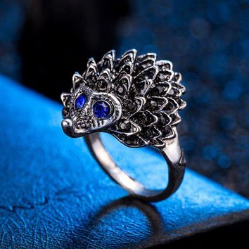 ONETOW New selling small hedgehog ring alloy ring female retro jewelry ring
