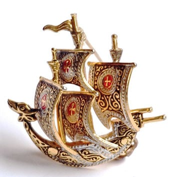 Spanish Galleon Brooch, Vintage Brooch, Damascene Style, Toledoware Brooch, Ship Pin, Signed Spain Pin,Lapel Pin,Vintage Jewelry,Sailor Gift