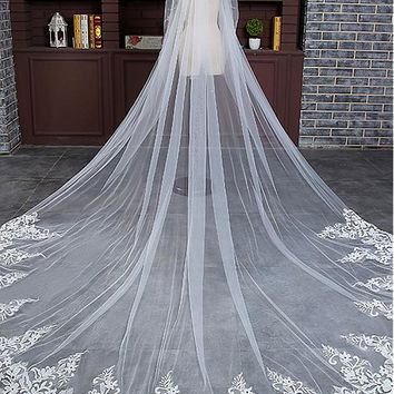 [28.99] In Stock Charming Tulle Cathedral Wedding Veil With Lace Appliques - dressilyme.com