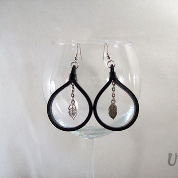 Black Leather earrings,Circle earrings,Leather handmade jewelry