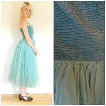 50s vintage tulle prom dress / Tutu gown / blue strapless velvet / Mid Century full skirt / Cocktail dress size small shabby chic