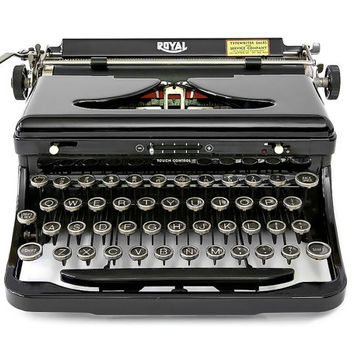 1938 Royal Model O Typewriter / Original Case / Fully Serviced with New Ribbon / Near Perfect Condition