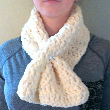 Keyhole White Chunky Scarf | scarf | pull scarf | pull through scarf | winter scarf | womens scarf | slot scarf | warm scarf | crochet scarf