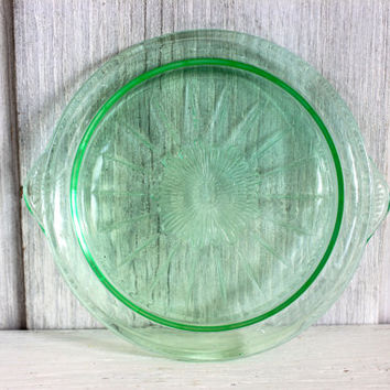 depression glass cake plate // vaseline or uranium glass // tendril // US Glass Co. // 1925+