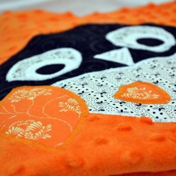 Owl and bats Minky baby blanket, Quilted toddler blanket, travel blanket, baby blanket in orange and black