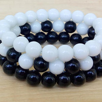 THREE Bracelets Three gift Yin Yang bracelet Matching bracelets Her and His Bracelet Black White Bracelets set of 3 Bracelet Perle Homme