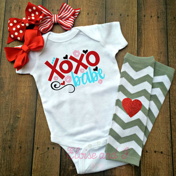 baby girl valentines outfit, valentine shirts, valentines day shirt, valentine baby shower gift, xoxo babe, toddler girl outfits, gifts