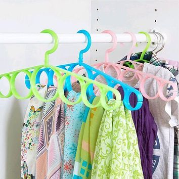 Scarf Hanger Circle Clothes Hangers 7 Ring Hole Round Tie Clothes Scarves Storage Rack Cloth Rotate Save Space Closet Organizer