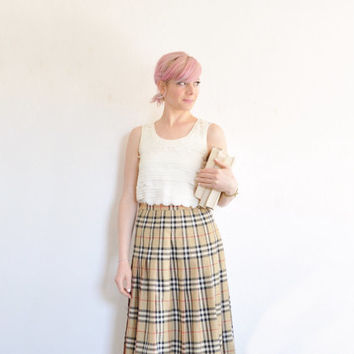 classic Burberrys tartan plaid skirt . high waist pleated nova check .small