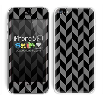 Zig Zag V3 Chevron Pattern Gray and Black Skin For The iPhone 5c