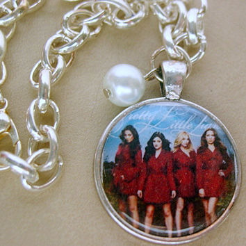 NEW Pretty Little Liars Bracelet with a Swarovski Pearl for that special touch